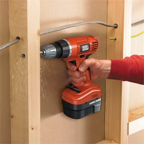 Black and Decker - Masina de gauritinsurubat de 12V - EPC12CA